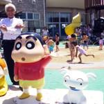 【春日部市】クレヨンしんちゃんと一緒に!石川良三市長の埼玉ポーズ!