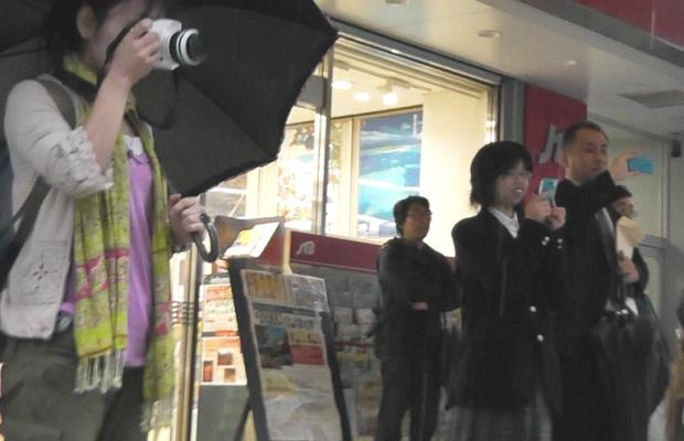 【動画】大雨の中 大宮駅東口でフラッシュモブをやった結果