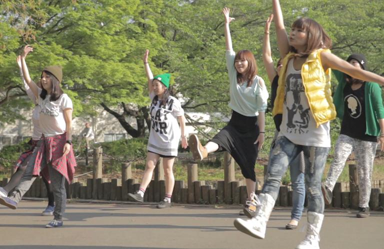 【動画】振付師本人によるそうだ埼玉全編ダンス【チームMaki / 大宮公園】