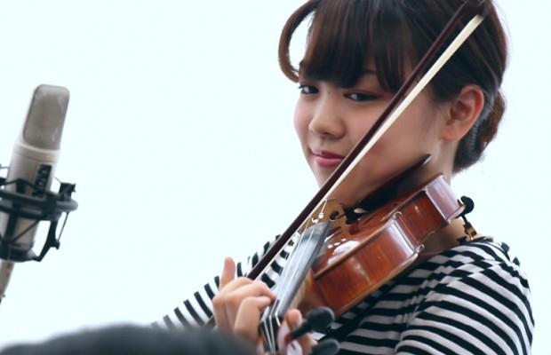 【動画】すげえ…若きクラシックデュオの「そうだ埼玉」生演奏に感動