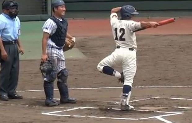 【動画】甲子園予選に現れたヌンチャク球児の衝撃的パフォーマンスにメジャーリーグまで反応