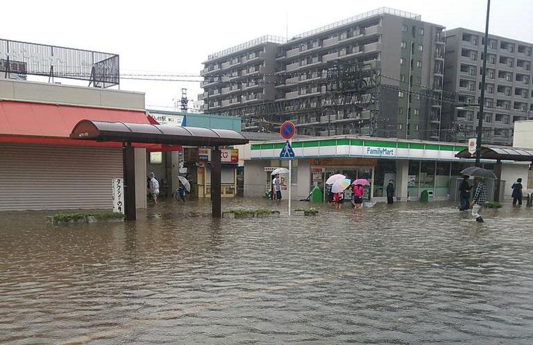 関東各地で大雨特別警報 気象庁「重大な危険が差し迫った異常事態。最大級の警戒を」