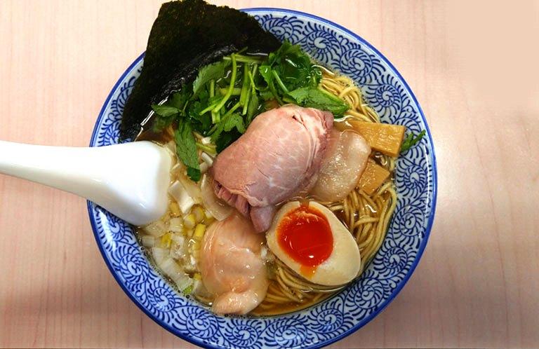 連日行列!上尾市「よしかわ」の煮干しダシが最高に美味しい