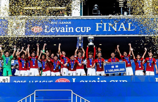 激戦の末に…13年ぶり浦和レッズ優勝でファン歓喜