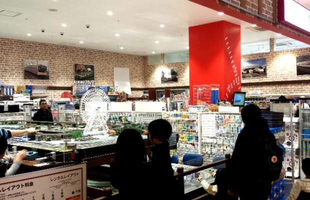 親子で釘づけ!埼玉にも出店が進む鉄道模型店ポポンデッタとは